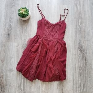 ABERCROMBIE & FITCH | Burgundy cocktail dress